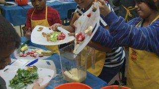 2-2-15-cooking healthy meals children school