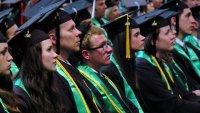 CNBC: ¿El Gobierno podría perdonar los préstamos estudiantiles?