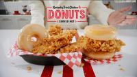 Pollo frito con donas, así KFC reta a los fanáticos de hacer dieta