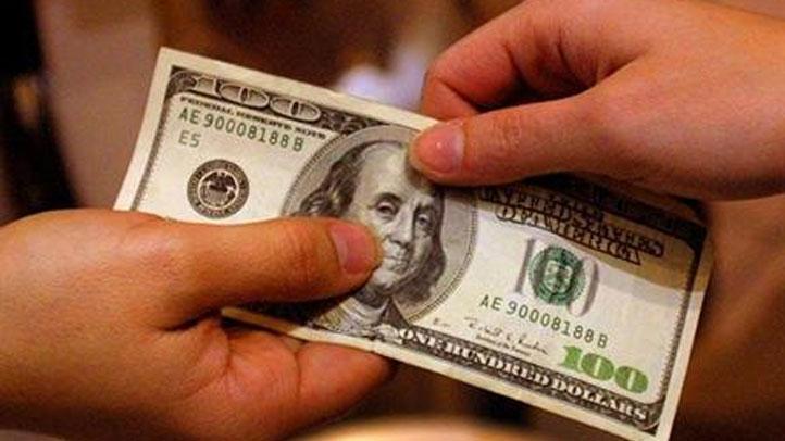 Solo los beneficios en efectivo recibidos de forma constante serán tenidos en cuenta bajo el concepto de carga pública.