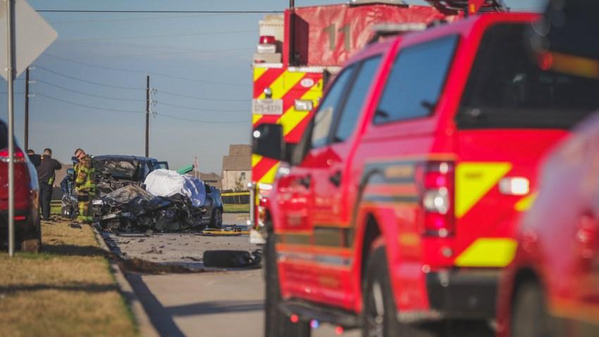 En total fueron tres los vehículos involucrados en este accidente el noroeste del Condado Harris.