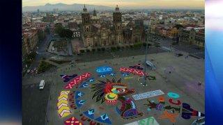 Alfombra monumental en el Zócalo.