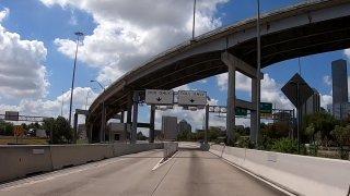 El uso de los peajes en el Condado Harris quedó suspednido por los próximos 30 días.