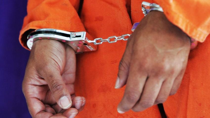 103008 Prisoner Handcuffs 73919952LW007_National_Day_