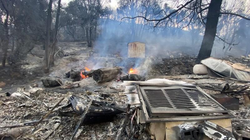 Fotos: Imágenes del humo y destrucción del Incendio Lake