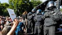 Miles marchan en Alemania contra medidas para combatir el COVID-19