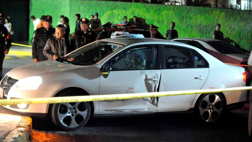 Automóvil en una escena de crimen en México