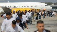 Seguridad Nacional reanuda los vuelos de deportación rápida de familias migrantes