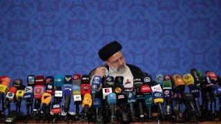 """El presidente electo de Irán, el clérigo rigorista Ebrahim Raisí, dijo que el programa de misiles balísticos iraní y su influencia regional """"no serán negociables"""" pese a las demandas de Estados Unidos de incluir esos asuntos en un acuerdo más amplio."""