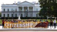 Decepciona, la tercera propuesta demócrata que otorgaría permisos para inmigrantes