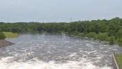 Autoridades meteorológicas instaron a la comunidad a permanecer alejados de la zona de influencia del Cypress Creek.