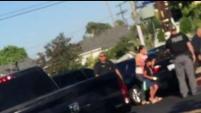 Un video captó a agentes de inmigración en un vecindario del Valle de San Fernando justo en medio de las amenazas de grandes operativos de ICE. Se...
