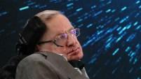 El físico y escritor Stephen Hawking, fallecido el pasado marzo, da que hablar, aún después de muerto. Te contamos qué dijo.
