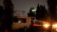 Un brillante meteoro, también conocido como estrella fugaz, fue visto durante la mañana de este domingo atravesando el cielo de la capital...