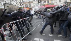 Una manifestación pacífica se torna violenta
