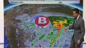 Lluvias y el potencial de inundaciones dice presente durante el día viernes.