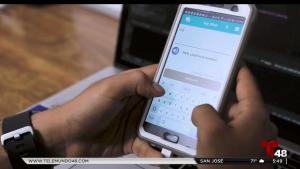 Joven hispano crea aplicación que traduce al español