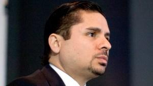 Larry Hernández se declara culpable de cargo menor
