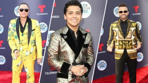 Hombres apuestan por mucho color y estampados en los Latin AMAs