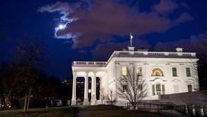 Detenido frente a la Casa Blanca dijo tener una bomba