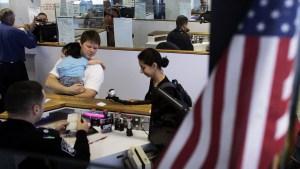 No separarán a familias interceptadas en la frontera