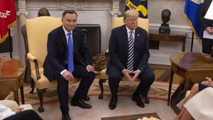 Presidente Trump evalúa envío de tropas a Polonia