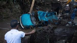 Inundaciones por lluvias causan muerte y caos