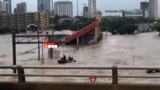 Aviso de inundaciones repentinas en Houston