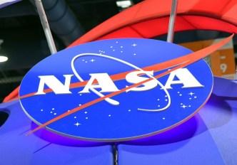 Empleados de NASA y TSA protestan contra cierre de gobierno