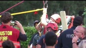 Obrero es rescatado luego de 6 horas enterrado