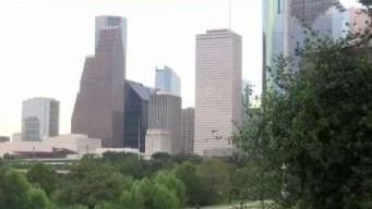 Se prepara Houston para tercer debate demócrata