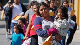 Se abre posibilidad de asilo para padres separados de hijos