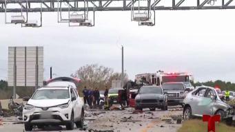 Trágico accidente deja dos muertos y 5 heridos