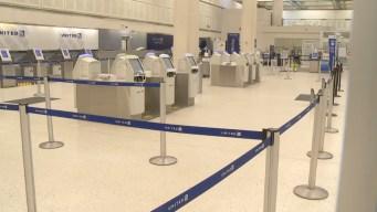Terminal B del aeropuerto Bush permanece cerrado