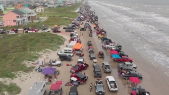 Miles piden acabar con evento en playas de Crystal Beach