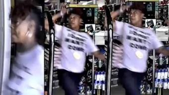 Roba en tienda de dólar pero empleada la confronta