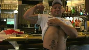 Fanático se hace tatuaje con Inglaterra campeón