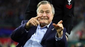Sexta mujer acusa al expresidente Bush de toquetearla