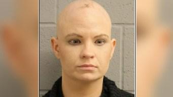 Arrestada bajo cargos de abandonar a bebé de dos años