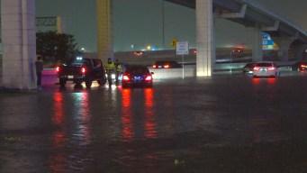 Las calles inundadas en Houston por las tormentas