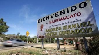 """AMLO realiza visita histórica a la cuna de """"El Chapo"""""""