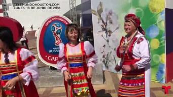 Ubaldo puso a 4 rusas a bailar vallenato, el videoblog