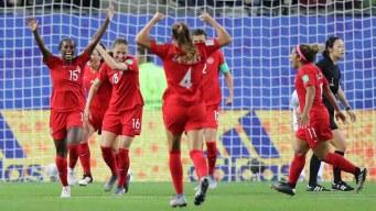 Canadá a los octavos de final: le gana 2-0 a Nueva Zelanda