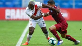 Gracias al VAR, Venezuela le roba un empate a Perú
