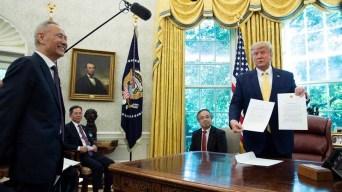 """Trump anuncia acuerdo y """"festival de amor"""" con China"""