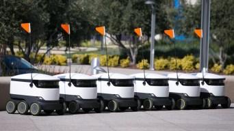 Robots repartirán comida en 100 universidades de EEUU