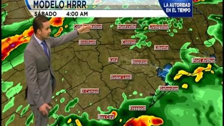 Potencial de inundaciones es elevado para Houston en la noche del viernes al dia sábado.