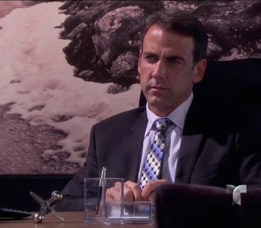 Humberto recibe la visita de una mujer que quiere extraña que quiere ...
