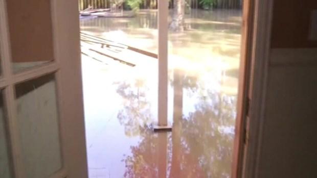 [TLMD - Houston] Hogares en Spring sin agua y electricidad tras inundaciones