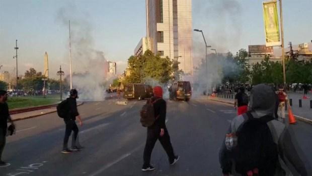 [TLMD - NATL] Tres muertos tras disturbios en Santiago de Chile